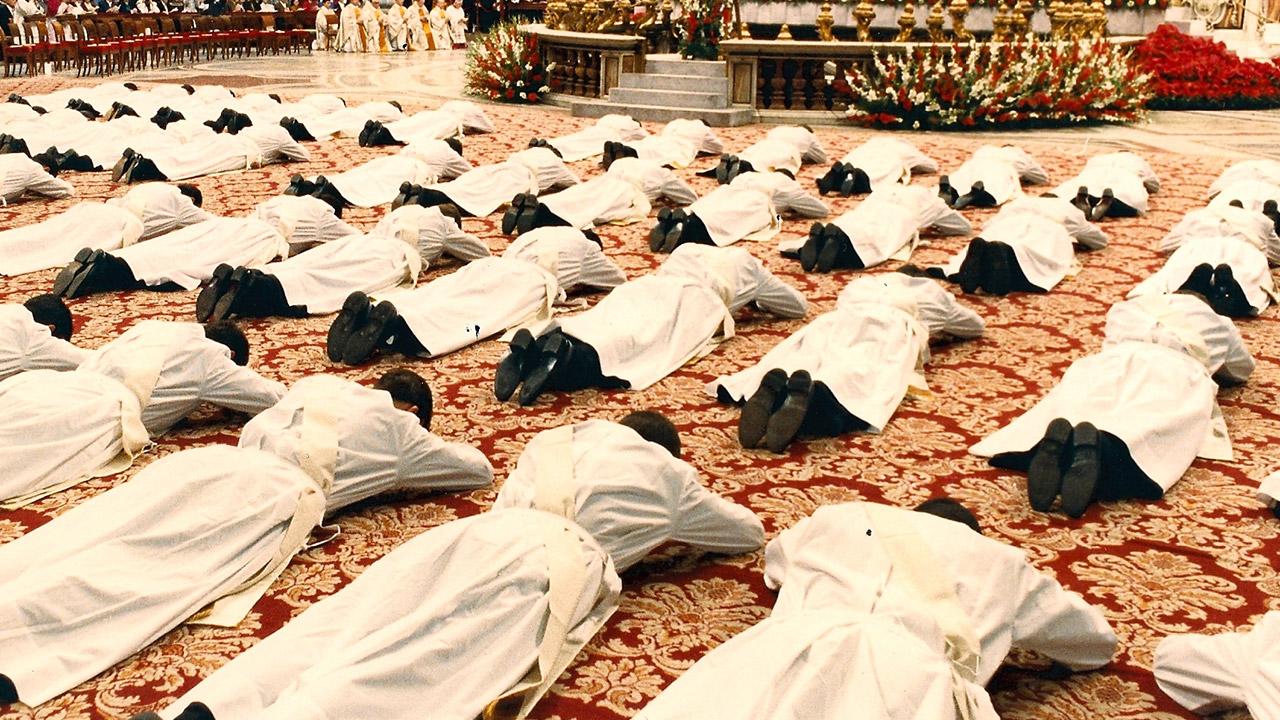 Os três graus do sacramento da Ordem