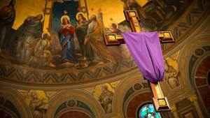 233. Por que cobrimos as imagens sacras na Quaresma?