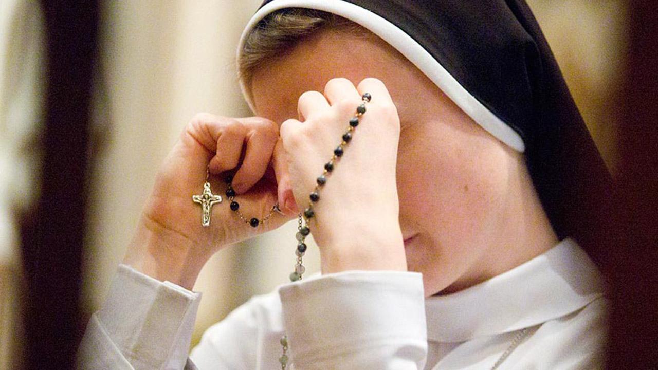 Aprenda a rezar o Terço