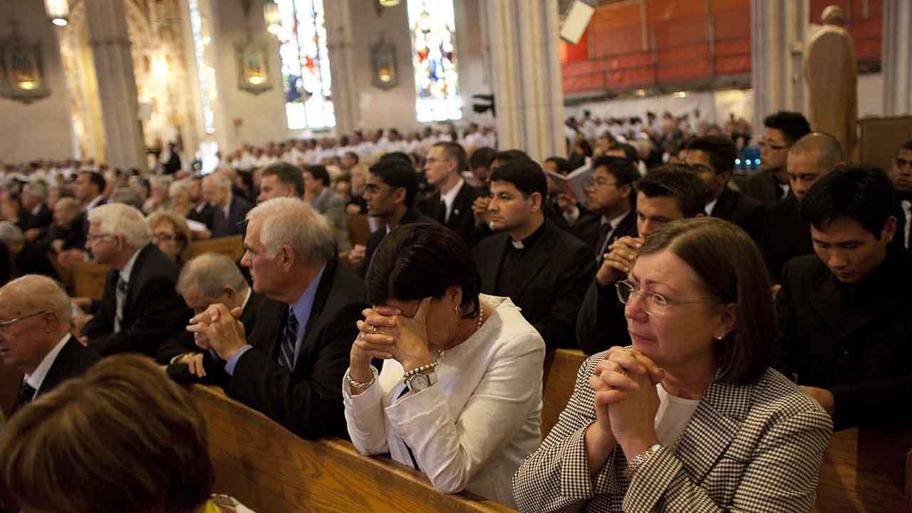 Cumpro o preceito dominical assistindo à Missa no sábado à tarde?
