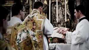 246. Uma única Missa vale para dois preceitos?