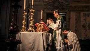 43. O que seria de nós sem os sacerdotes?