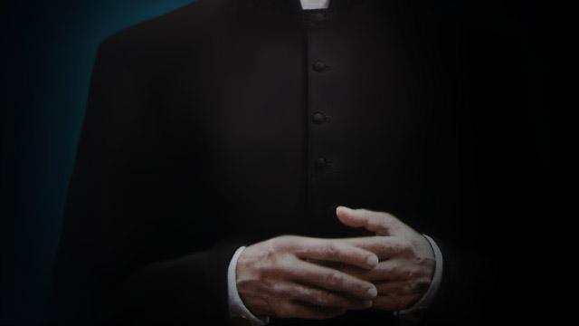 Afinal, os padres são ou não obrigados a usar batina?