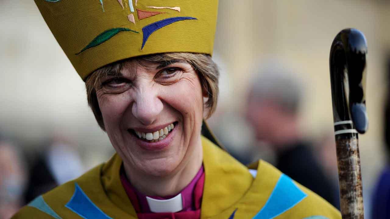 É possível que no futuro a Igreja permita a ordenação sacerdotal de mulheres? (II)