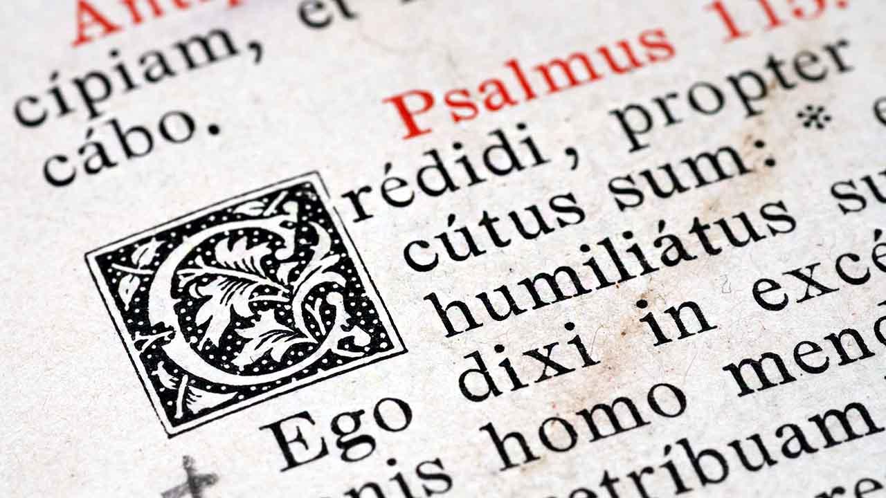 Por que o Papa insiste no latim?
