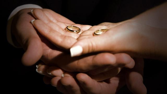 É possível se casar com alguém divorciado?