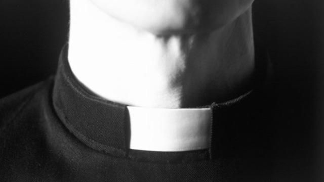 Por que ex-padres podem comungar e divorciados não?