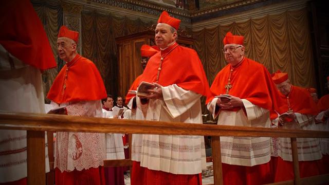 Como funciona um Conclave?