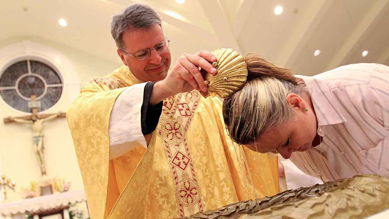 Uma pessoa que vive em estado de pecado pode ser batizada?