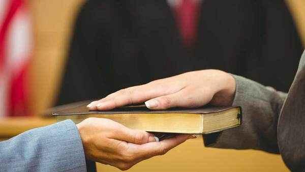 Por que a Igreja permite o juramento se Jesus o proíbe?