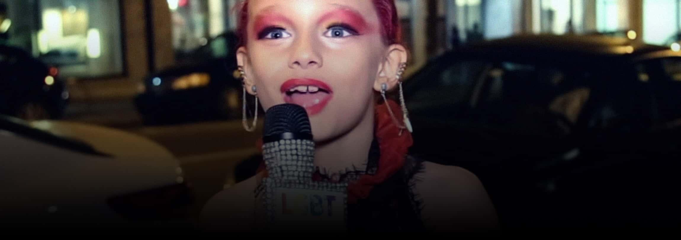 """Comunidade LGBT celebra """"drag queen"""" de 8 anos no Canadá"""