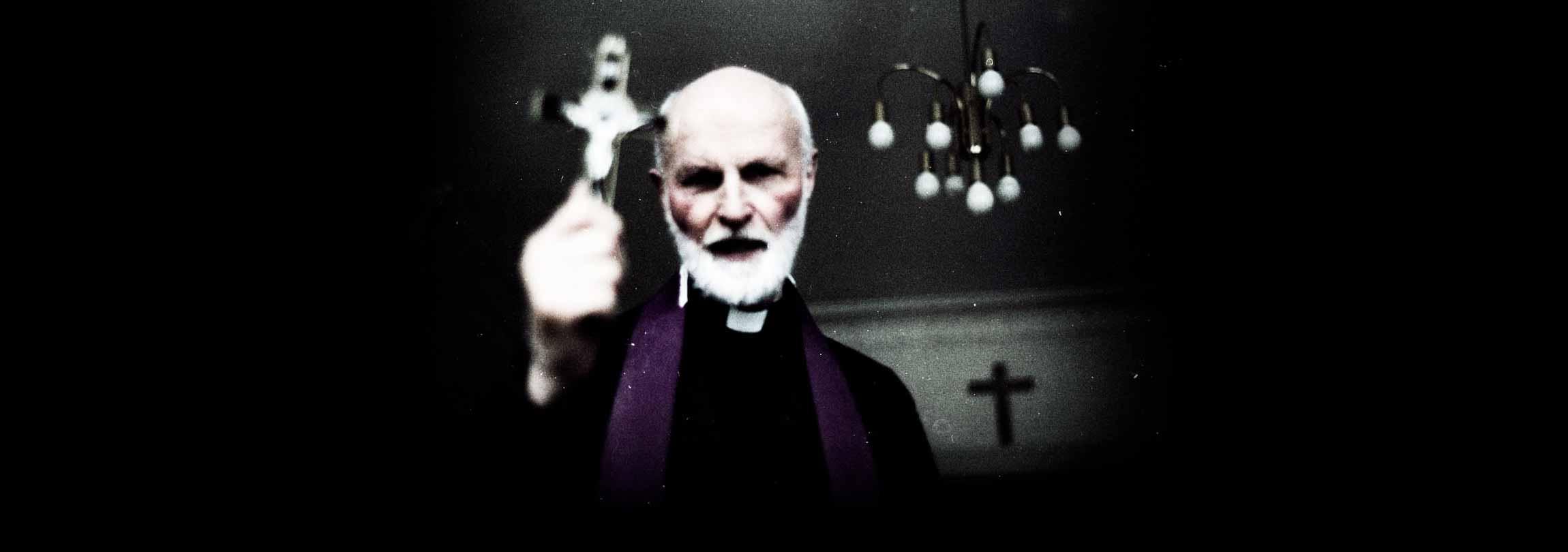 Padre implora aos bispos por mais exorcistas na Irlanda