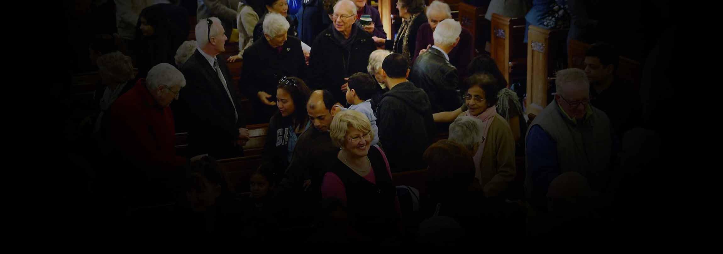 """""""Socializar"""" sim, mas não na Missa"""