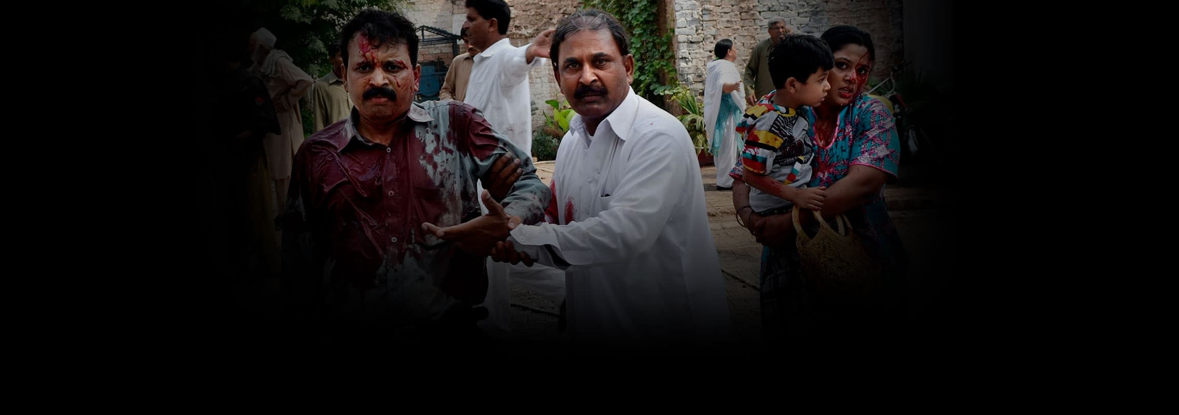 Atentado suicida mata 80 cristãos no Paquistão