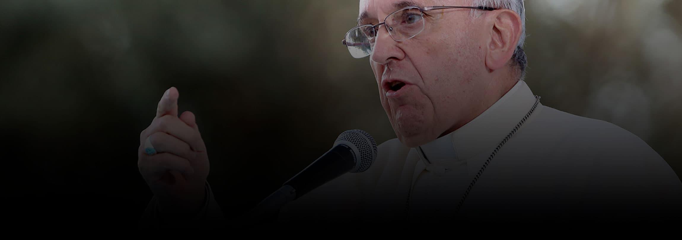 Pais 'se auto-exilaram da educação dos próprios filhos', diz o Papa