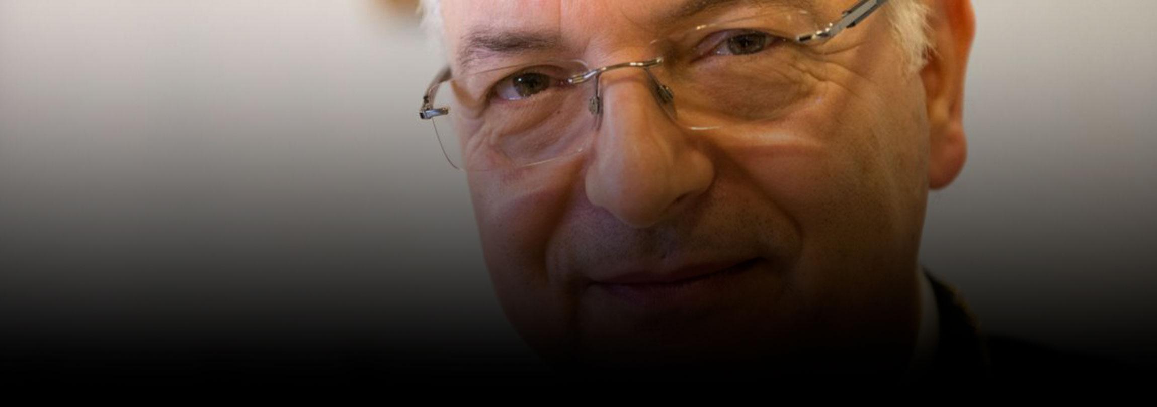 """Cardeal Mauro Piacenza explica a atual """"crise"""" do sacerdócio católico"""